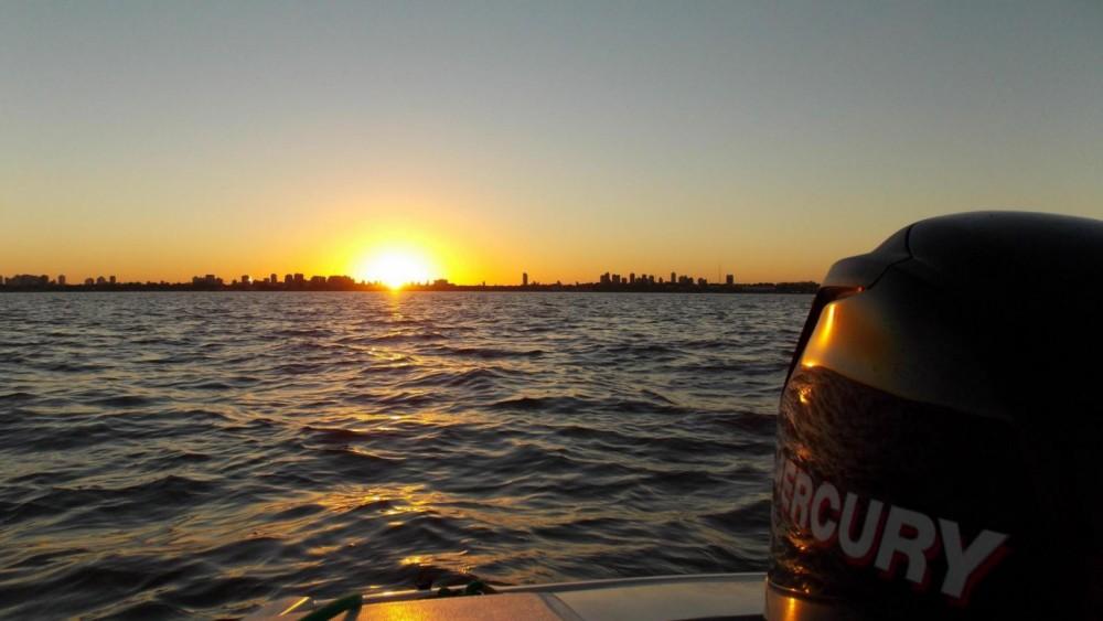 Boat rental Tigre cheap X3 Elite