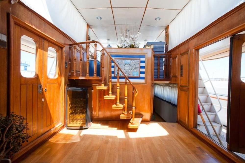 Boat rental Peeter Sgeepsbouw navetta  in Ibiza on Samboat
