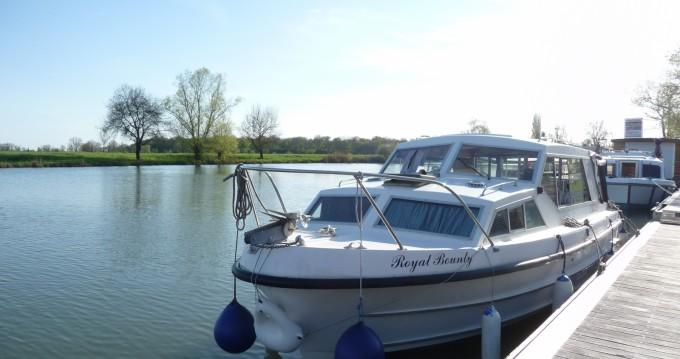 Rental Canal boat in Pont-de-Vaux - Bounty-Boat Sedan 27