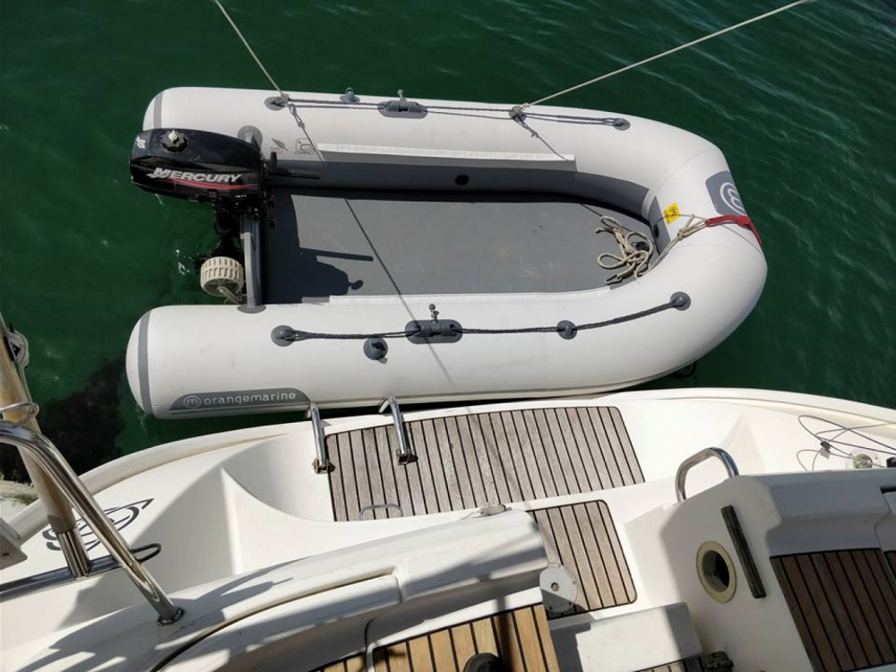 Jeanneau Sun Odyssey 36.2 between personal and professional Port Navalo