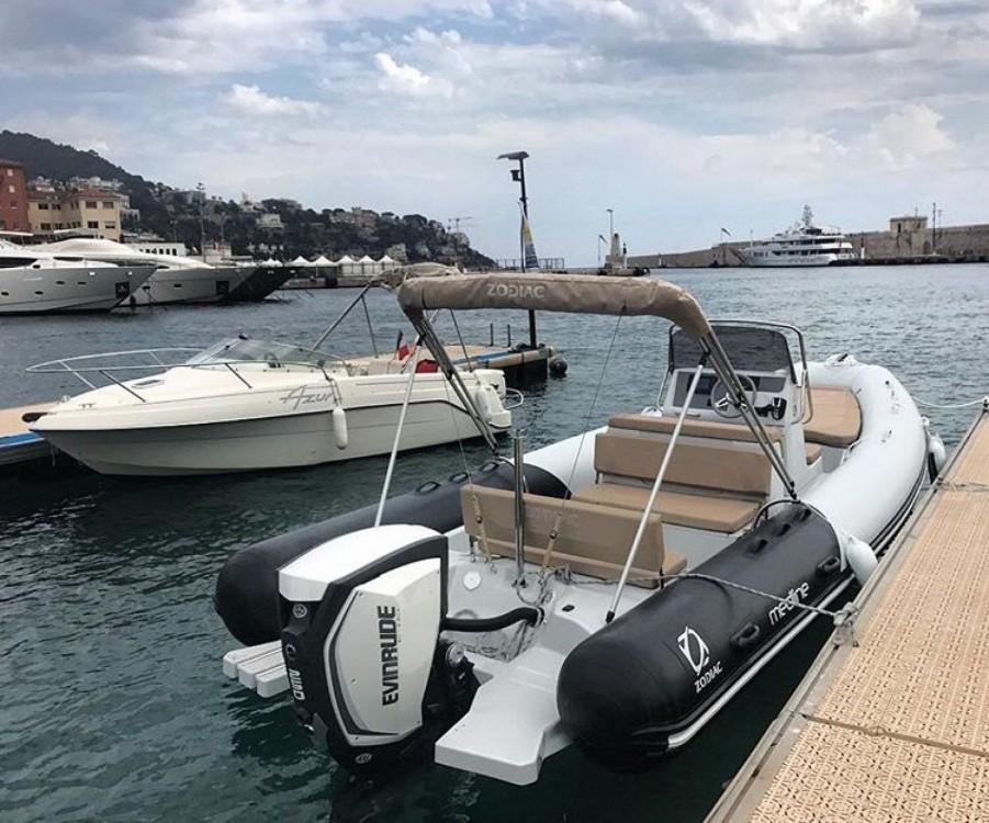 Rental RIB in Nice - Zodiac Medline 740