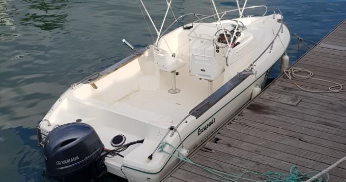 Boat rental Rivière des Galets cheap Cap Camarat 615 WA