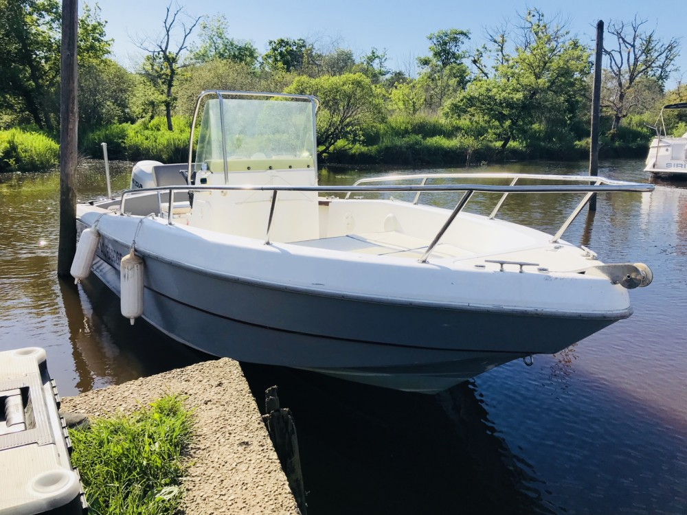 Motor boat for rent Gujan-Mestras at the best price