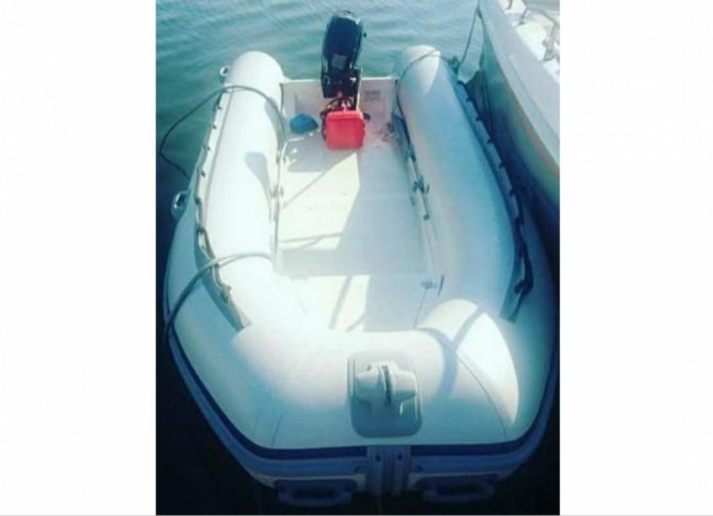 Rental yacht Saint-Florent - Lomac Open 430 on SamBoat