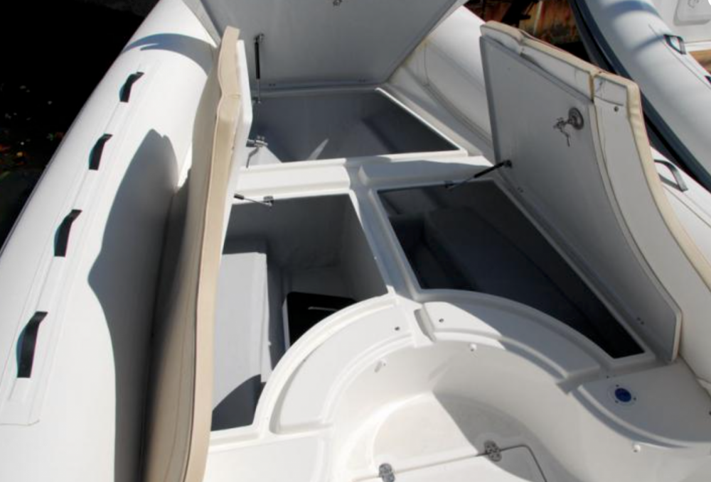 Hire RIB with or without skipper Black Fin Saint-Cyprien