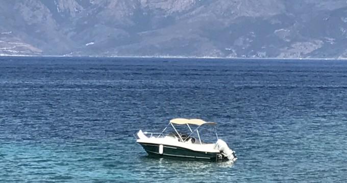 Rental Motorboat in Saint-Florent - Jeanneau Cap Camarat 615 WA