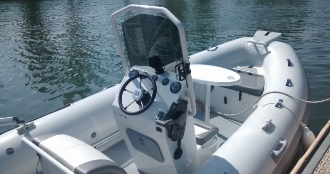 Rental yacht Mandelieu-la-Napoule - Highfield Ocean Master 540 on SamBoat