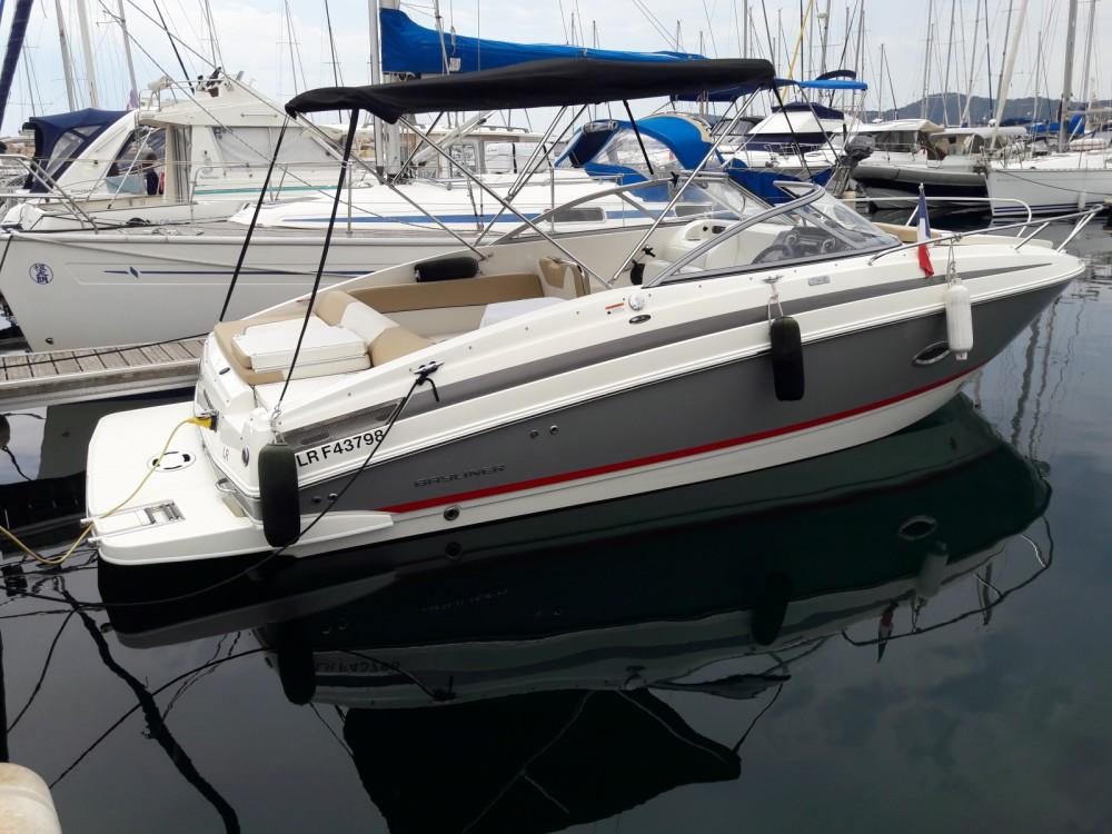 Boat rental Bayliner Bayliner 742 Cuddy in Mandelieu-la-Napoule on Samboat