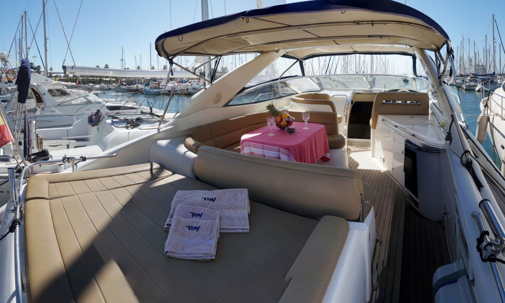 Hire Motorboat with or without skipper Sunseeker Barcelona