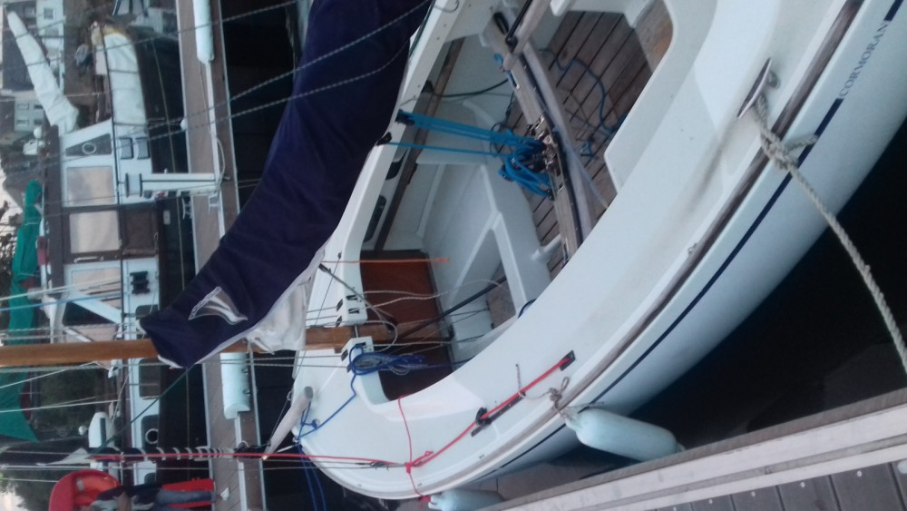 Sailboat for rent Lanildut at the best price