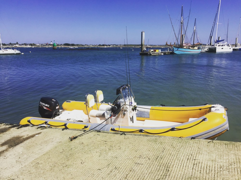 Hire RIB with or without skipper Bwa Locmiquélic