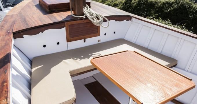 Rental Motorboat in Fornells - Astondoa ARTESANAL MADERA