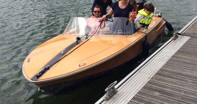 Boat rental Giuliani Captain in Paris on Samboat