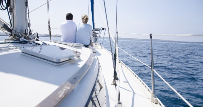 Rental Sailboat in Barcelona - Puma 37