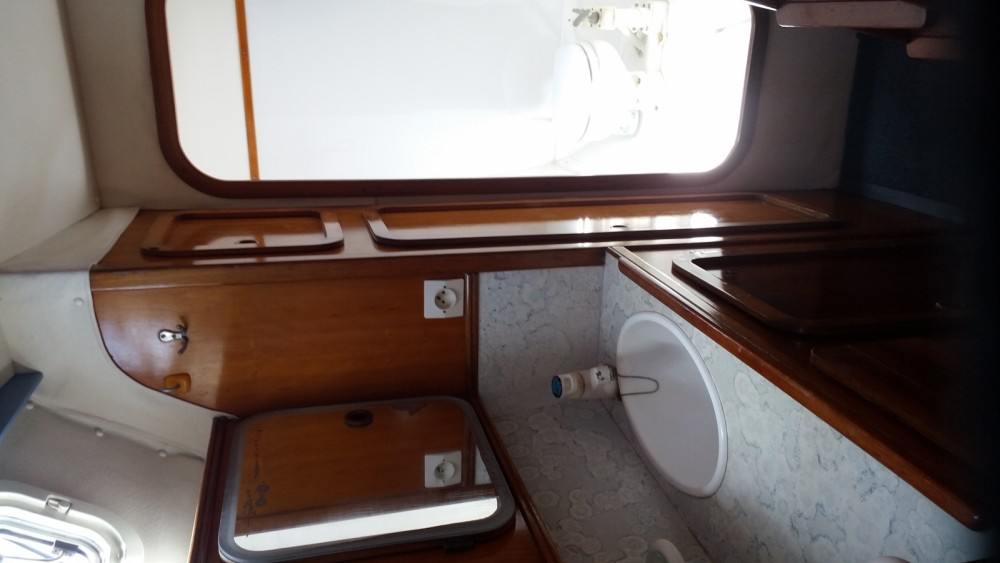 Hire Catamaran with or without skipper Jeanneau Ambodifotatra