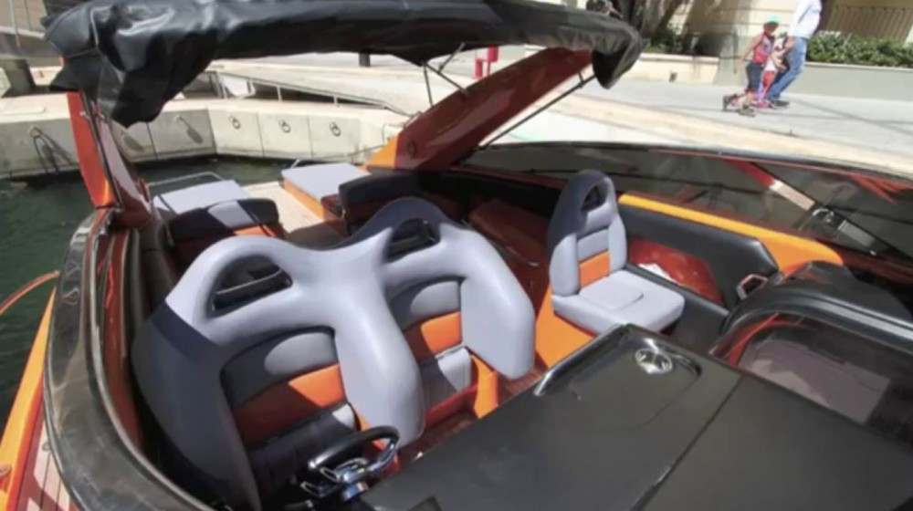 Hire Motor boat with or without skipper Sunseeker Yaiza