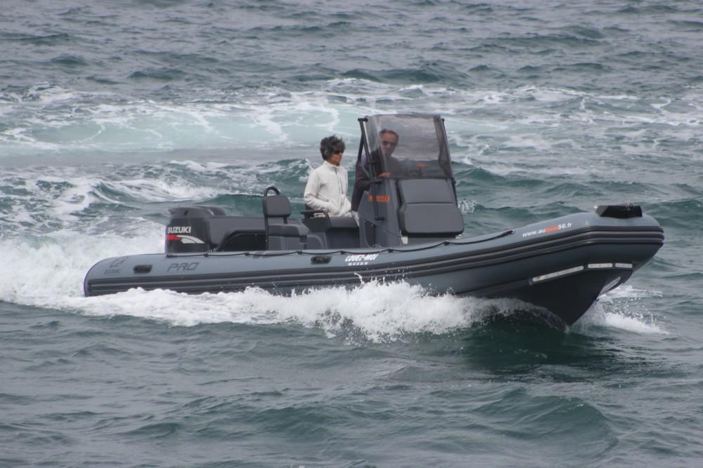 Boat rental Zodiac Pro 7 in Lorient on Samboat