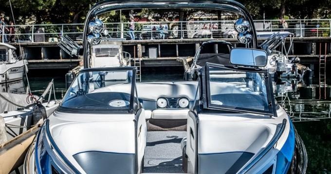 Rental Motorboat Malibu with a permit