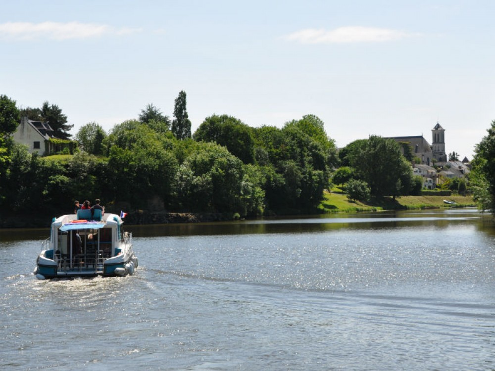 Canal boat for rent Sablé-sur-Sarthe at the best price