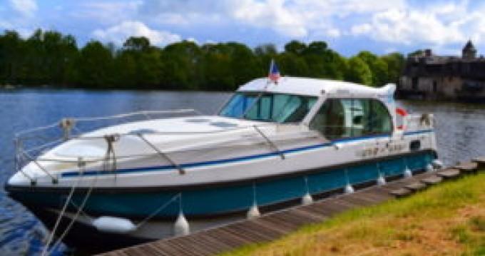 Boat rental Sablé-sur-Sarthe cheap 1100