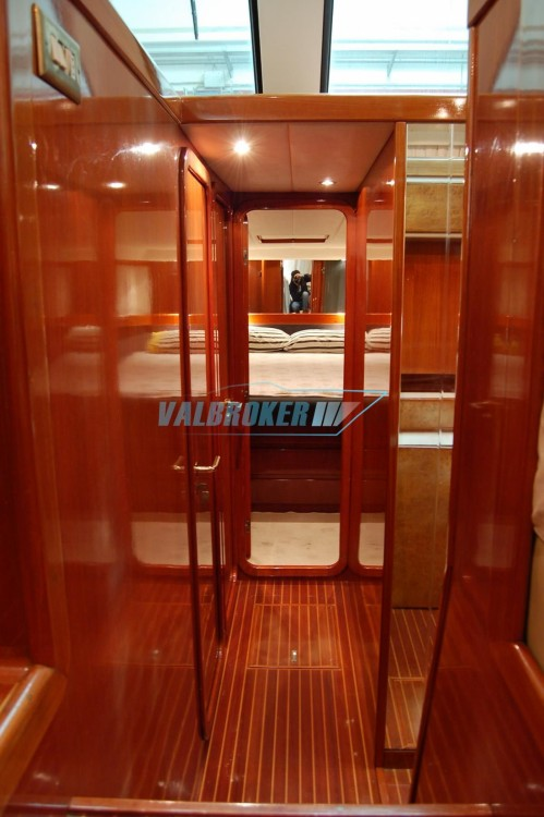 Rental Yacht Uniesse with a permit