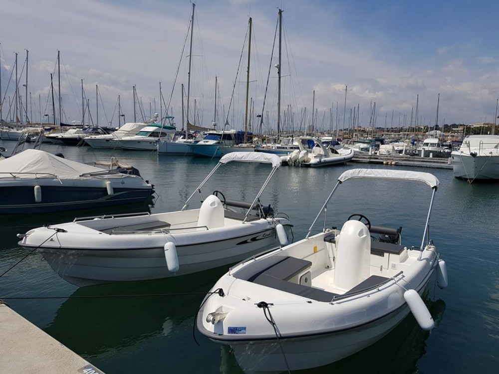 Hire Motor boat with or without skipper Karel Saint-Raphaël