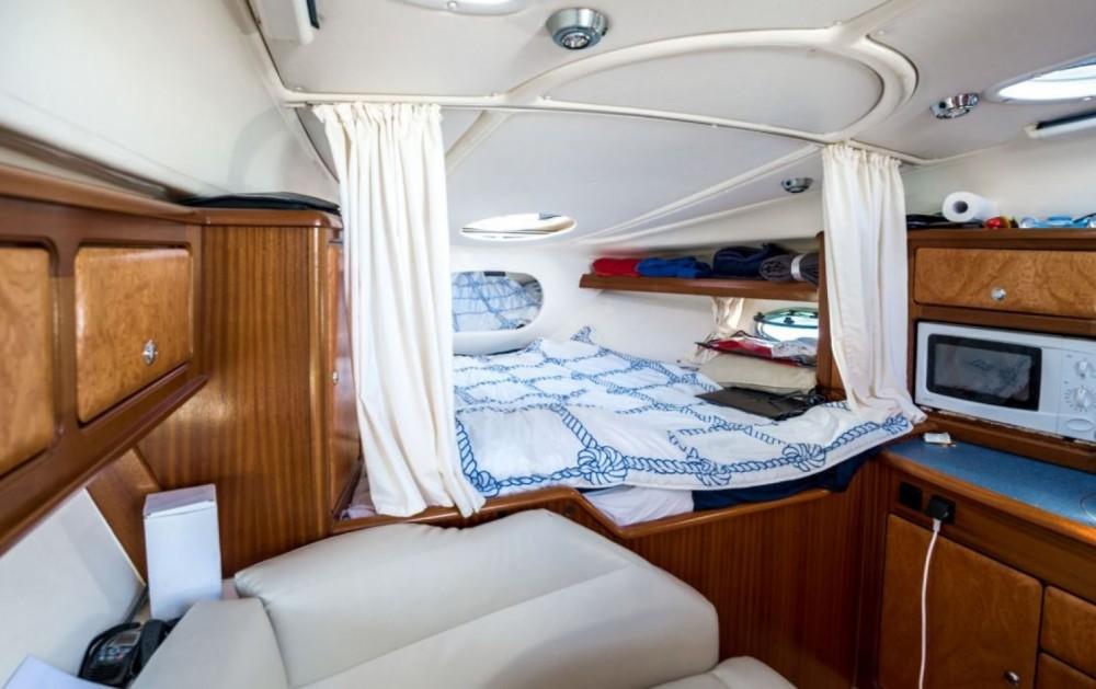 Rental yacht Cogolin - Bavaria Sport 300 on SamBoat