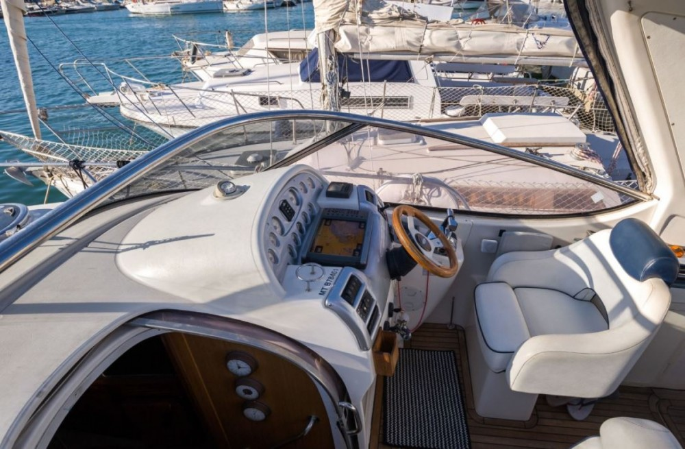 Boat rental Bavaria Sport 300 in Cogolin on Samboat
