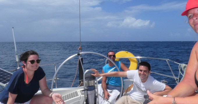Sailboat for rent Saint-François at the best price