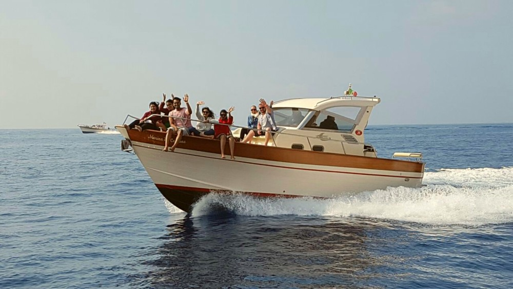 Motor boat for rent Massa Lubrense at the best price