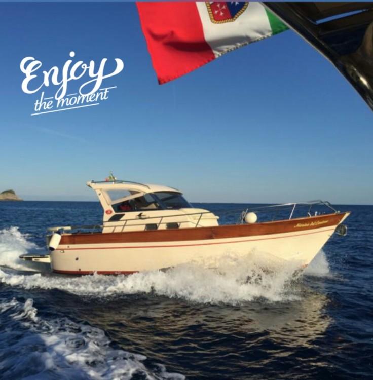 Boat rental Aprea Semicabinato in Marina del Cantone on Samboat