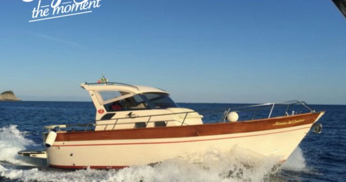 Motorboat for rent Marina del Cantone at the best price