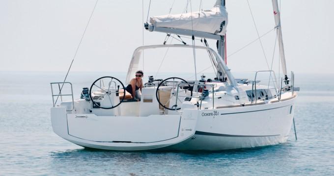 Rental yacht Bandol - Bénéteau Oceanis 35.1 on SamBoat