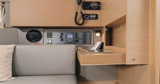 Boat rental Bandol cheap Oceanis 35.1