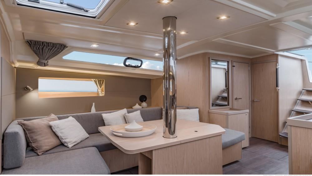 Boat rental Bénéteau Oceanis 41.1 in Bandol on Samboat