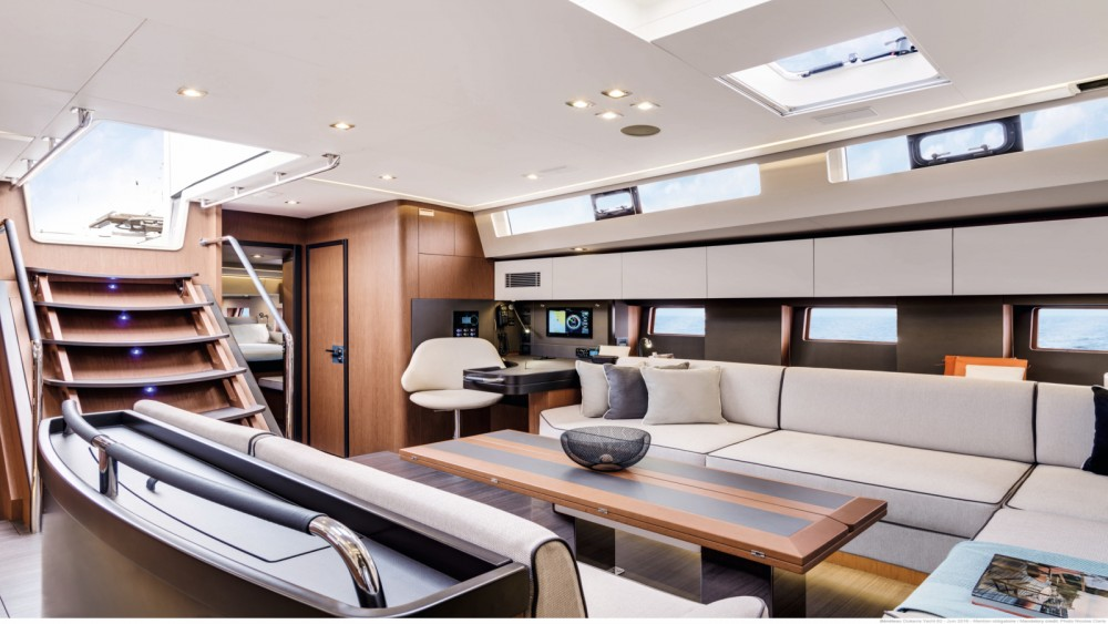 Bénéteau Oceanis Yacht 62 between personal and professional Bandol