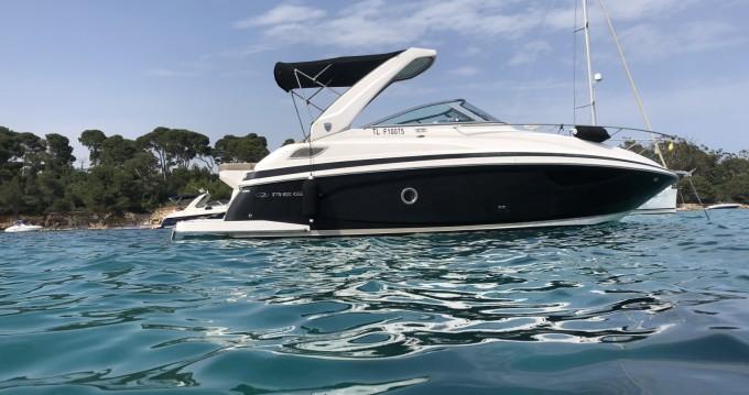 Boat rental Régal Regal 28 Express in Mandelieu-la-Napoule on Samboat