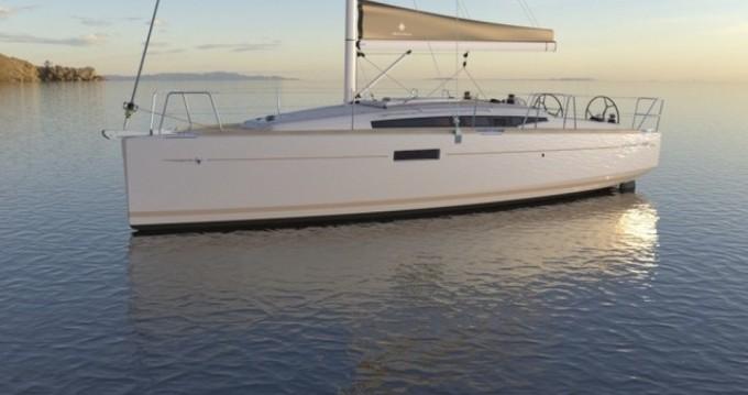 Rental Sailboat in Port du Crouesty - Jeanneau Sun Odyssey 349