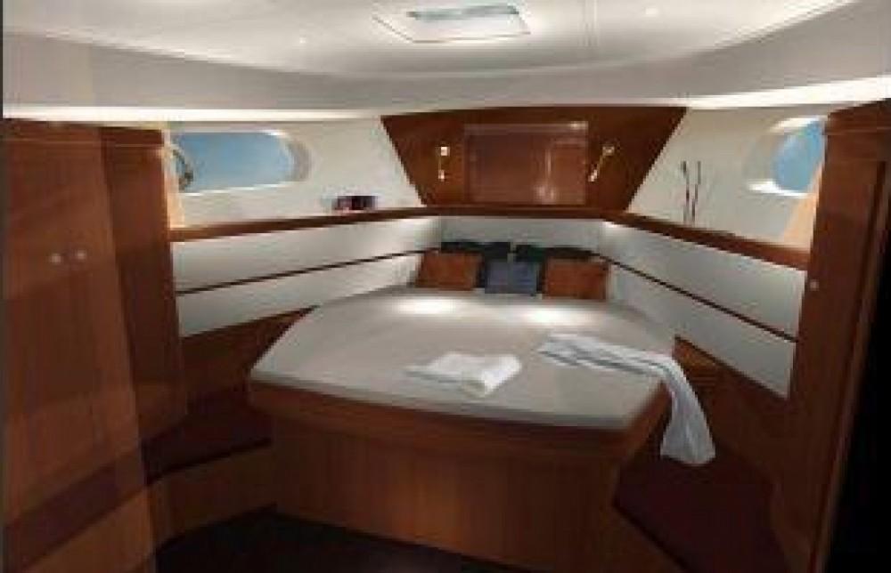 Rental yacht Saint-Mandrier-sur-Mer - Bénéteau Swift Trawler 44 on SamBoat