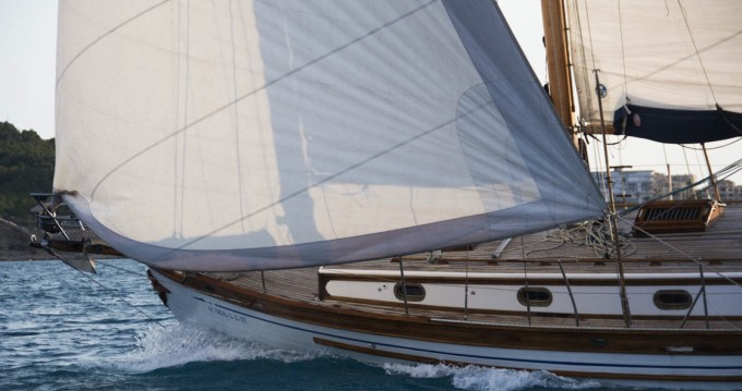 Sailboat for rent Altea at the best price
