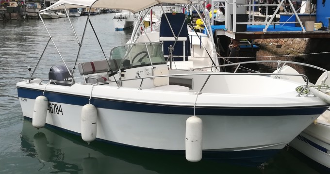 Hire Motorboat with or without skipper Jeanneau Frontignan