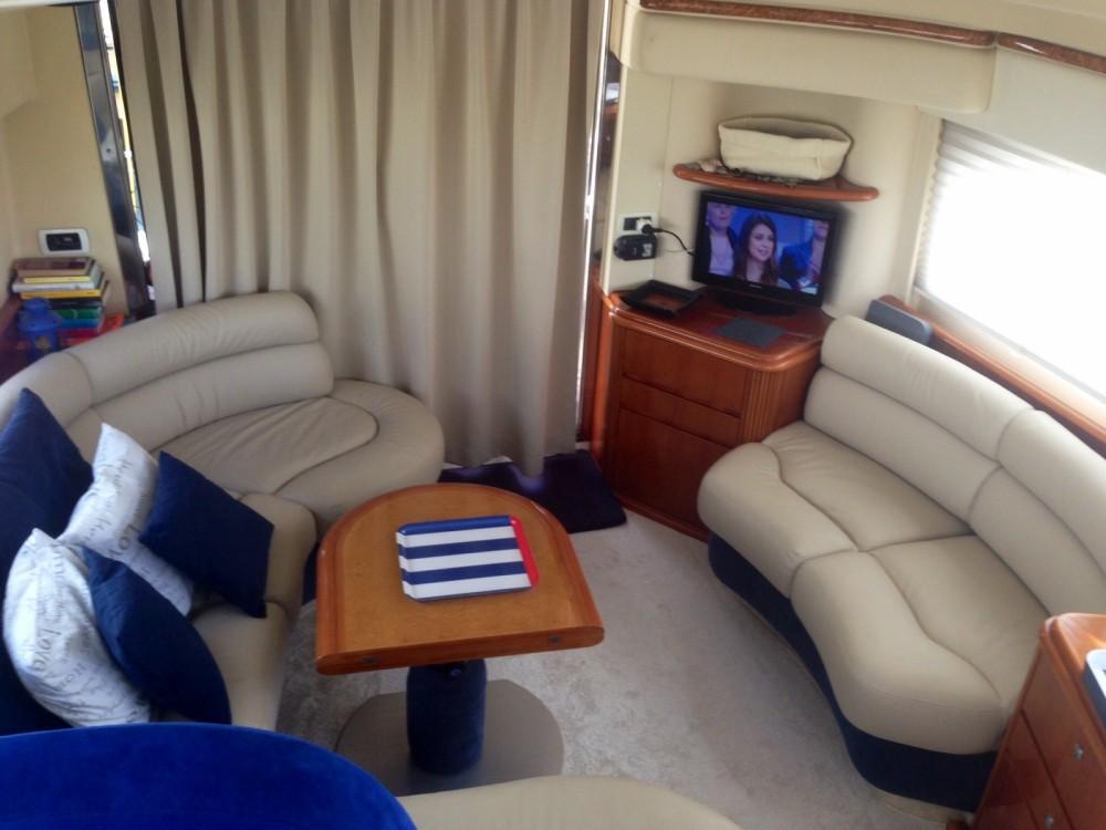 Rental yacht Rosignano Solvay-Castiglioncello - Azimut Azimut 42 on SamBoat
