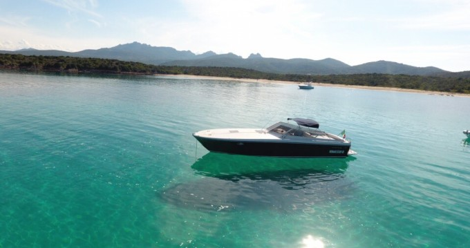 Rental Motorboat Itama with a permit