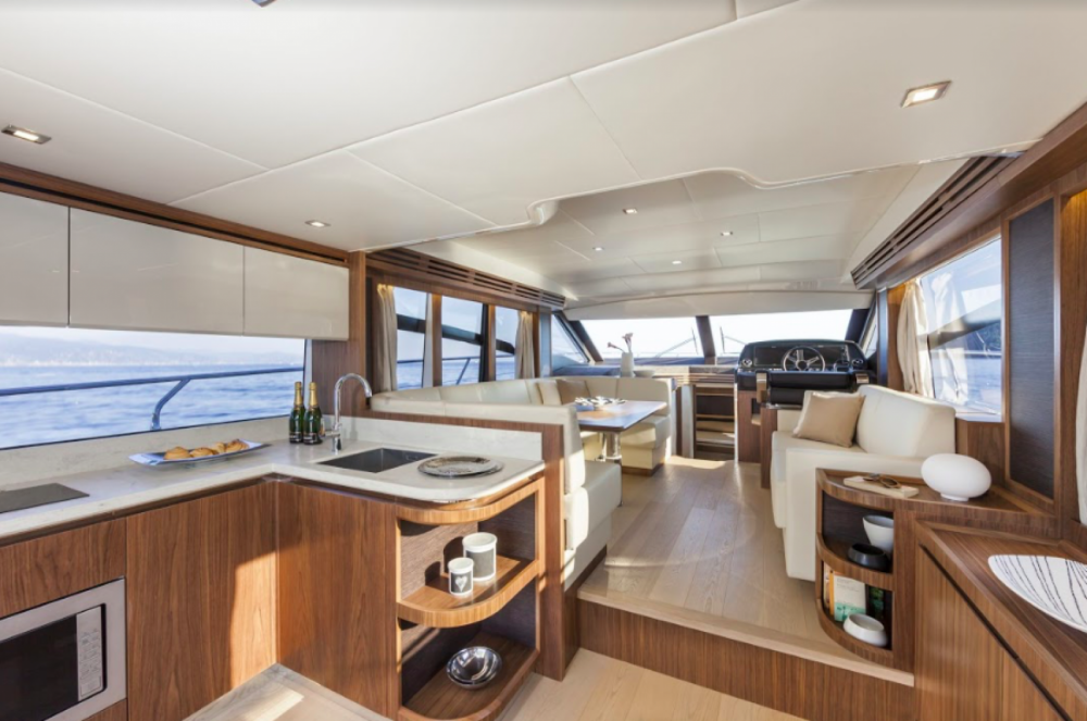 Hire Motor boat with or without skipper Absolute Yachts Barcelona