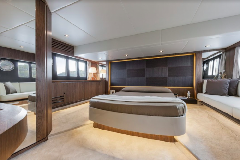 Rental yacht Barcelona - Absolute Yachts Absolute 52 Fly on SamBoat