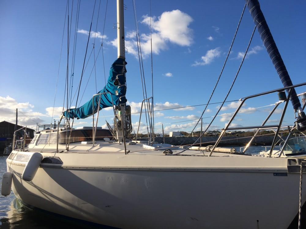 Hire Sailboat with or without skipper Jeanneau La Teste-de-Buch