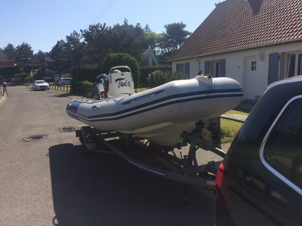 Boat rental Zodiac Medline in Boulogne-sur-Mer on Samboat