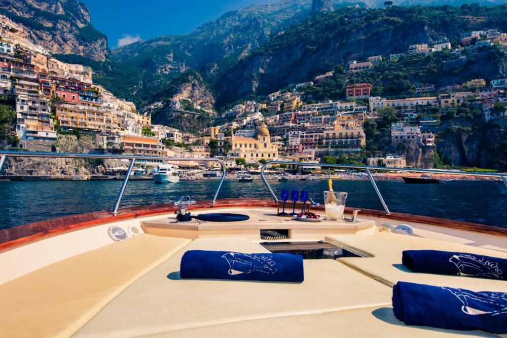 Rental Motor boat in Positano - Jeranto 11 classic
