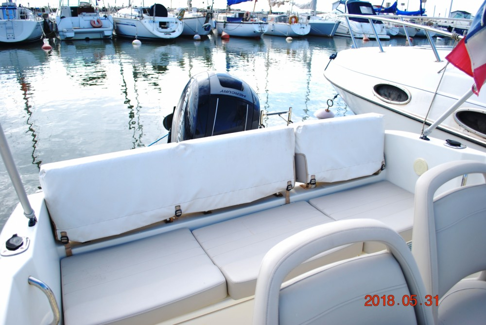 Motor boat for rent Valras-Plage at the best price