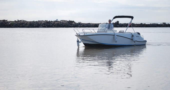 Motorboat for rent Valras-Plage at the best price